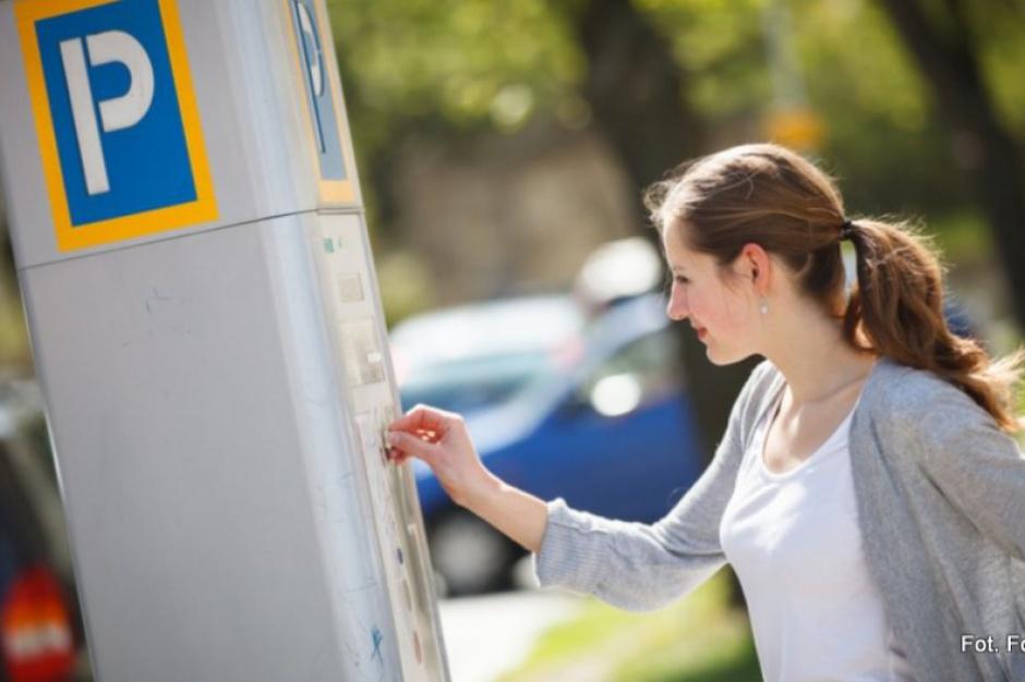 WSA: Augustów legalnie pobiera opłaty za parkowanie w soboty