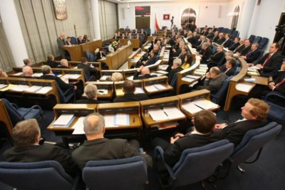 Senat: Uzależnieni uzyskają dostęp do klubów