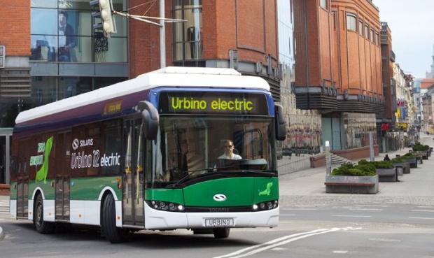 Autobusy elektryczne czterokrotnie tańsze niż spalinowe