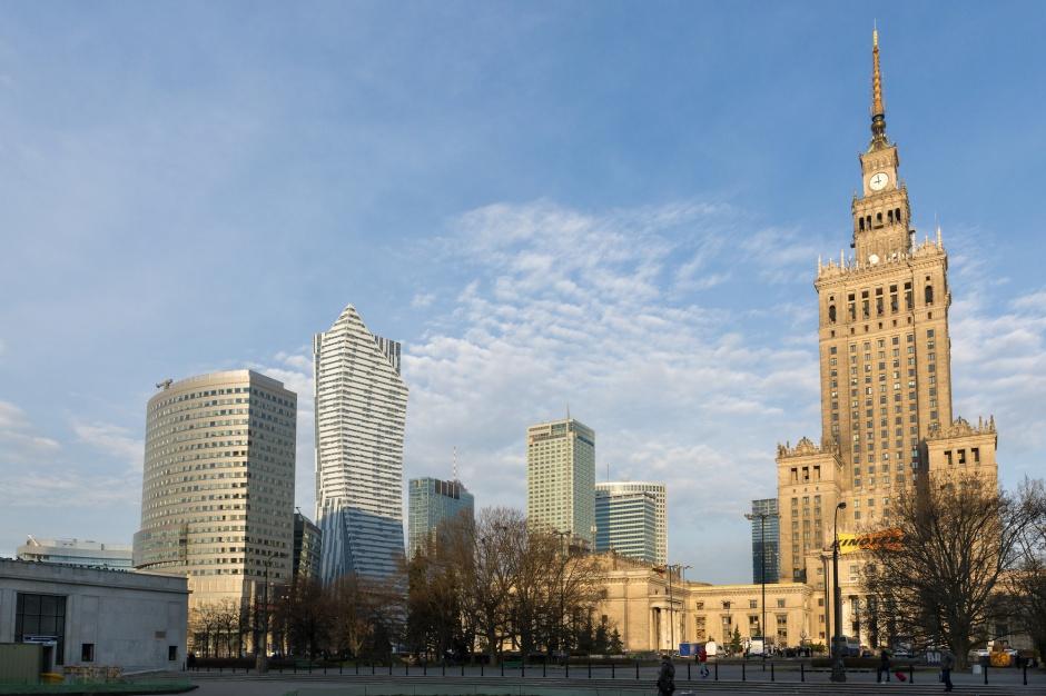 Zagospodarowanie Placu Defilad. Są szanse na porozumienie PKP i Warszawy