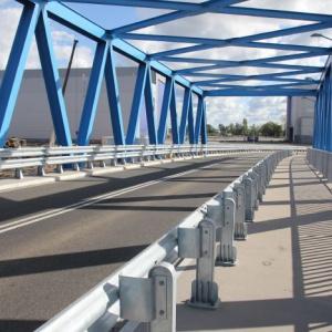 Rozpiętość przęseł nowego mostu w osiach podparcia wynosi 65 metrów. Fot. Mat. prasowe
