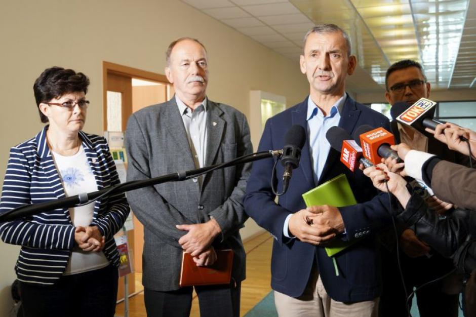 """ZNP i Oświatowa """"S"""" chcą podwyżek dla nauczycieli i większych pieniędzy na edukację. Będzie protest"""