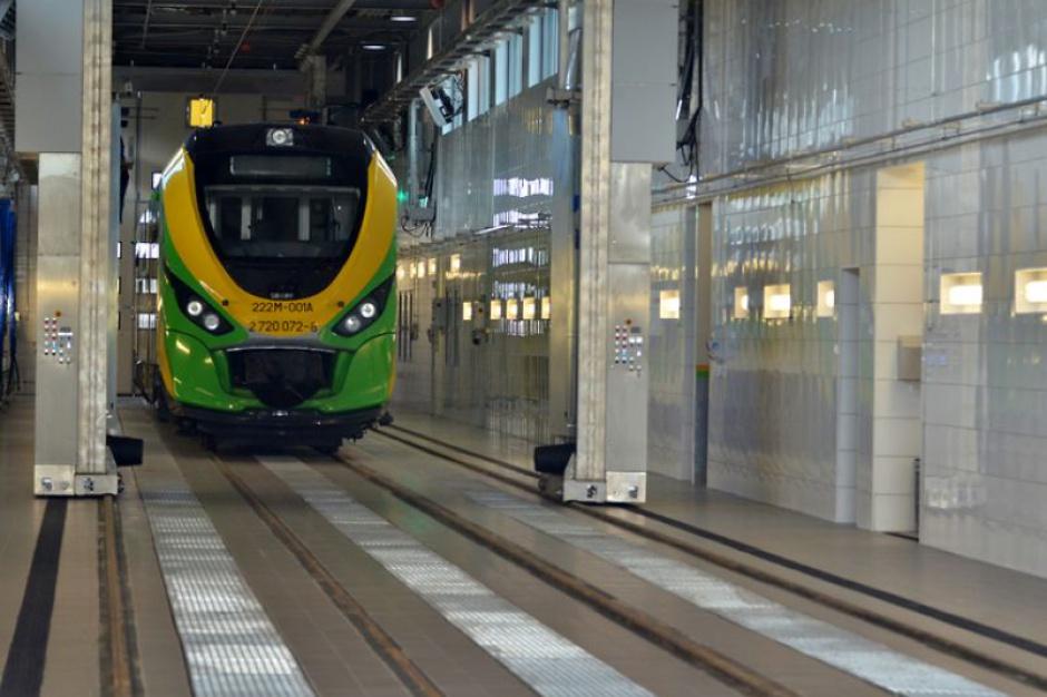 Czyste pociągi: Nowa myjnia Kolei Mazowieckich