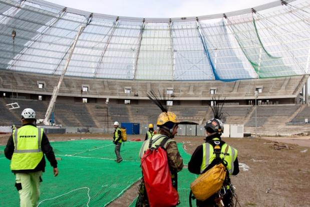Stadion Śląski czeka na pokrycie konstrukcnji dachowej - BP Witold Trólka