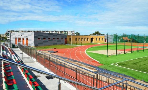 Stadion w Barcinie będzie służył nie tylko piłkarzom, ale i lekkoatletom