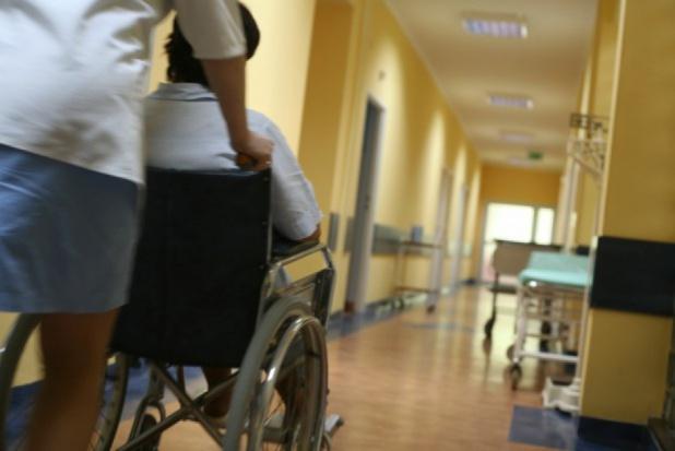 Szpitale mają problemy z obsadą nocnych dyżurów