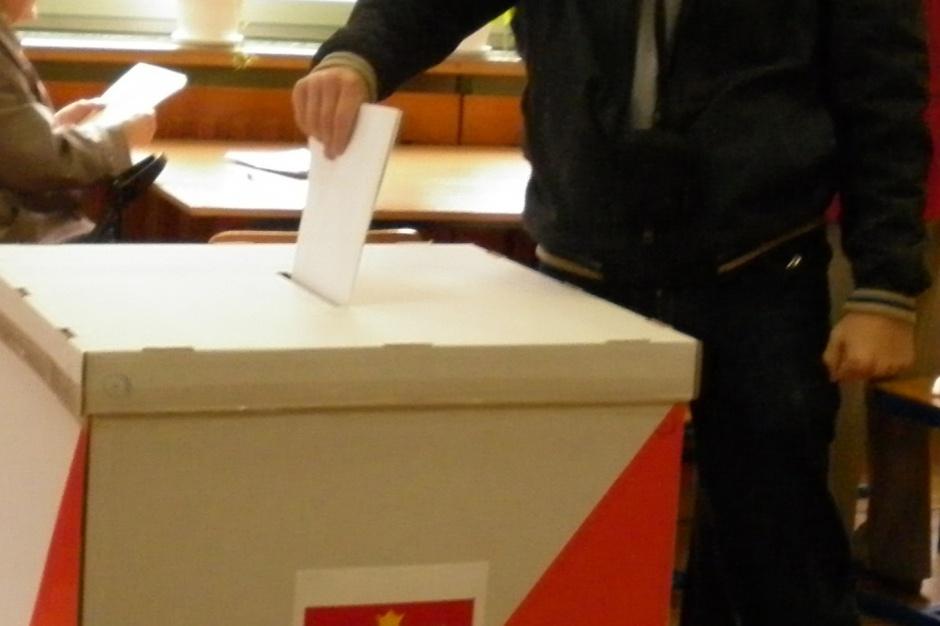 Rozpoczęło się głosowanie w wyborach parlamentarnych