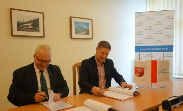 Przewozy Regionale i warmińsko-mazurskie podpisały umowę wieloletnią