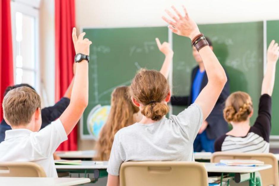Warszawa: Od piątku uczniowie mogą składać wnioski w rekrutacji uzupełniającej