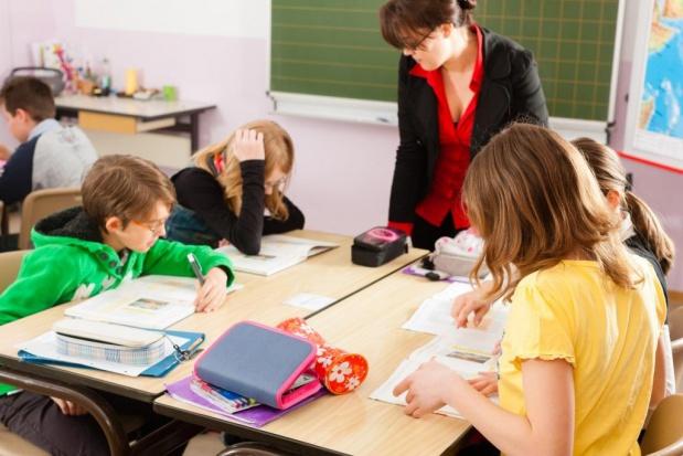 Co Polacy sądzą o likwidacji gimnazjów i 6-latkach w szkołach?
