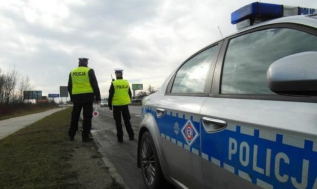 Akcja znicz: Policja apeluje o ostrożną jazdę