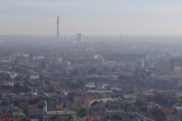 Kraków, smog: służby skontrolują spaliny samochodów