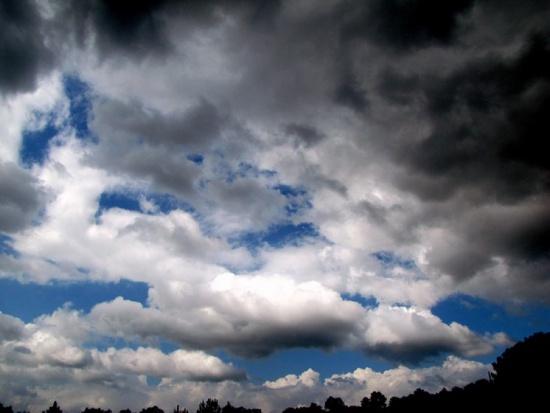 Pogoda, IMGW: ostrzeżenie dla 9 województw, ofiara śmiertelna na Pomorzu