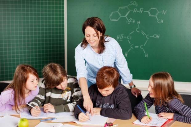 MEN: prawie 80 proc. sześciolatków rozpoczęło naukę w I klasach