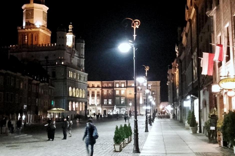 Poznań, nowoczesne oświetlenie na Starym Rynku