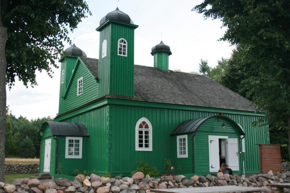 Podlaskie, Kruszyniany: centrum edukacji i kultury Tatarów