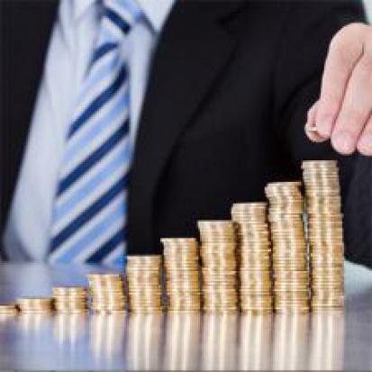 Trzynastka, dodatek za wysługę lat: Pensje urzędników nie motywują ich do lepszej pracy