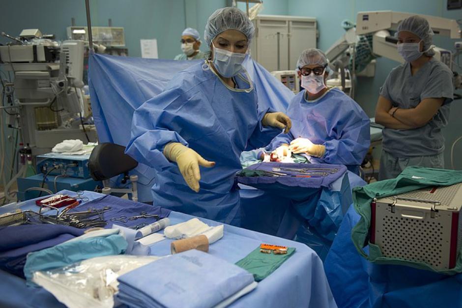 Klinika z Poznania światowym pionierem transmisji operacji krtani i szyi