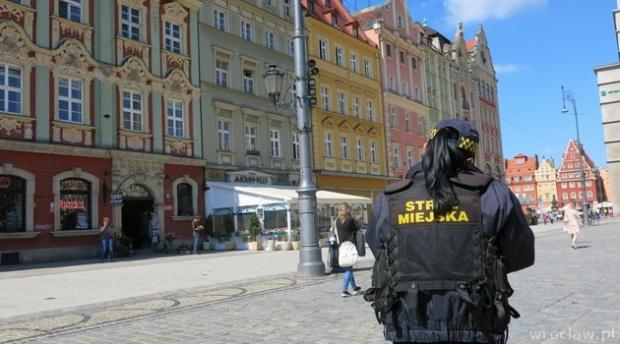 Działania straży miejskiej we wrocławskim parku kulturowym