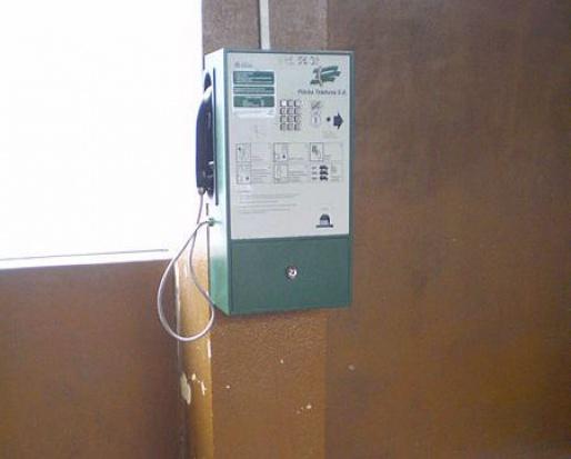 Po jednym automacie telefonicznym w każdej gminie w przyszłym roku