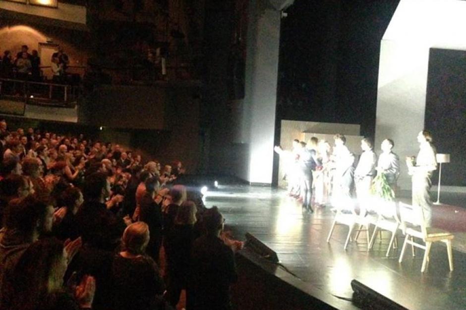 Wrocław: zatrzymano osoby próbujące zablokować wejście do Teatru Polskiego