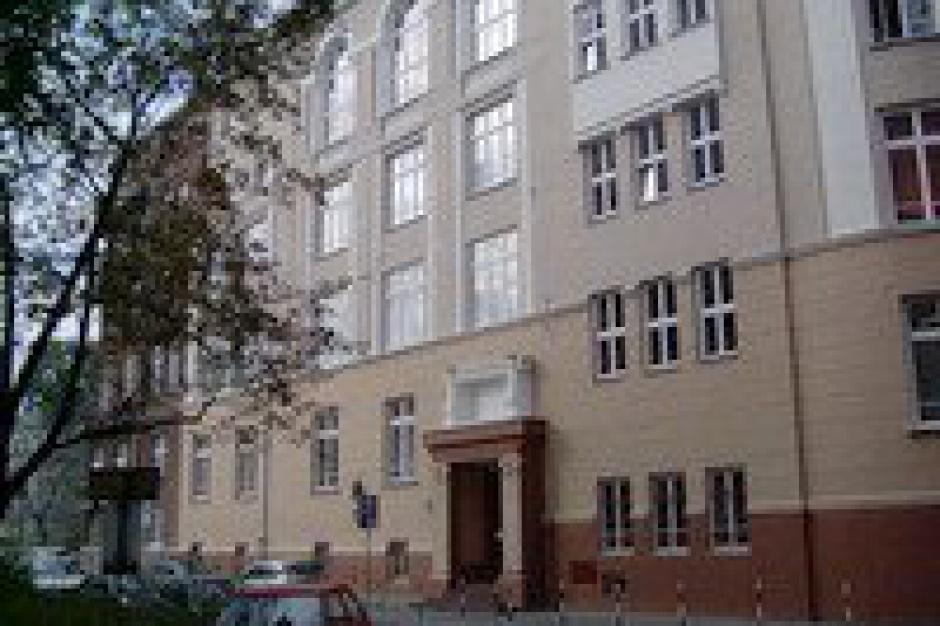 Dyrektorka zespołu szkół z Warszawy złożyła dymisję