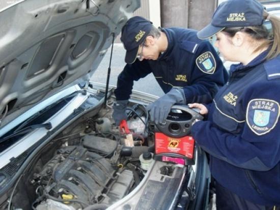 Legnica: Zawiódł akumulator? Pomoże Straż Miejska