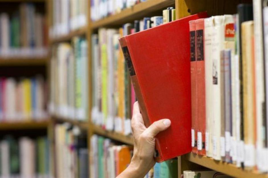 Mikrobiblioteki w Oświęcimiu zachęcą do czytania książek?