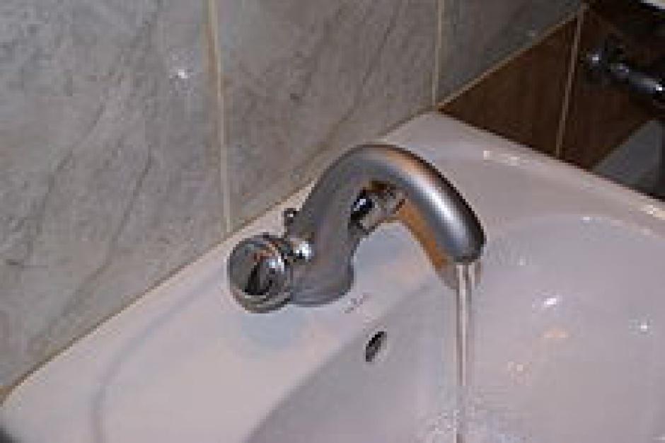 Mieszkańcy Toszka mogą już używać wodę z kranu, ale po przegotowaniu