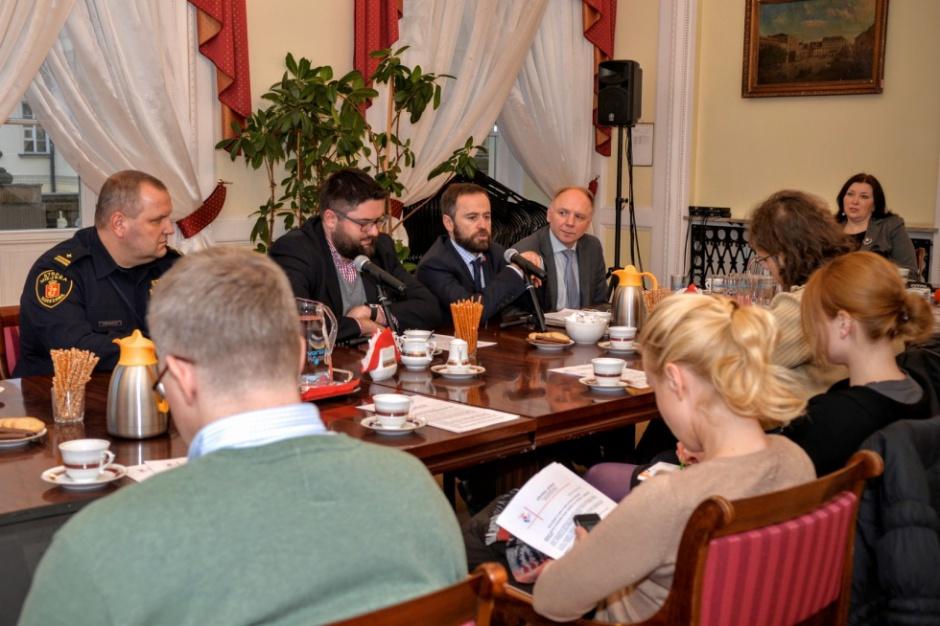 Plan gospodarki niskoemisyjnej: Warszawa chce ograniczyć zanieczyszczenie powietrza