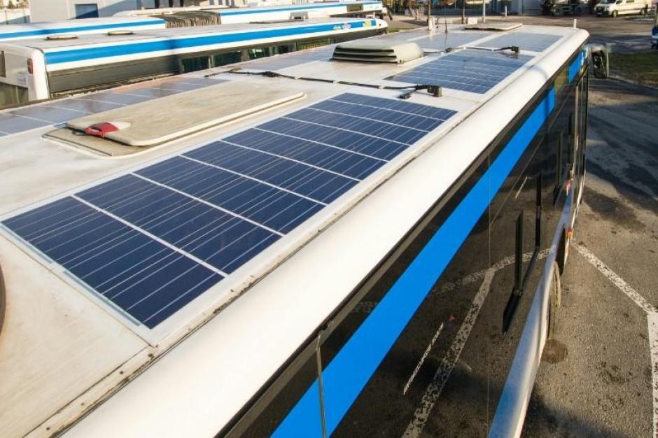 Kraków testuje autobusy z systemami słonecznymi