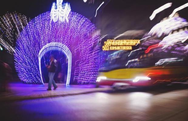 Warszawa: zmiany w komunikacji miejskiej w okresie świątecznym