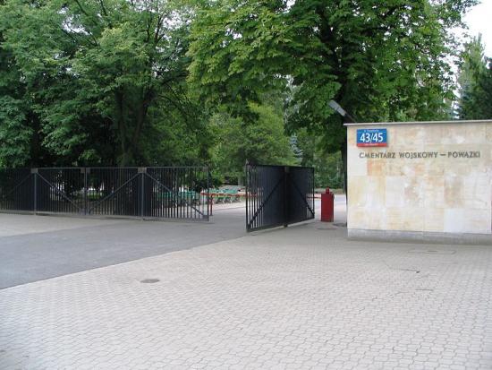 Kolejny etap renowacji mogił powstańczych na Wojskowych Powązkach