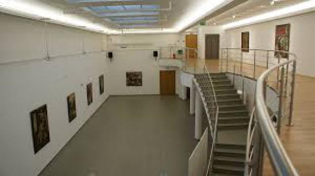 Łódź: Retrospektywna wystawa malarstwa Ryszarda Hungera