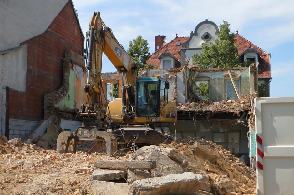 Lokale zastępcze za mieszkania do rozbiórki do końca 2017 r. obowiązkiem gmin