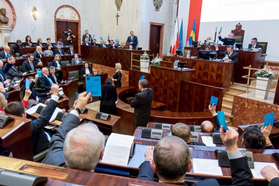 Śląsk, budżet na 2016 r.: Wydatki około 1,5 mld zł, a dochody około 1.4 mld zł