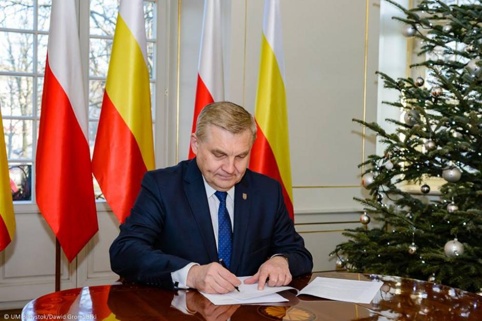 Białystok, prezydent Tadeusz Truskolaski wprowadza oszczędności w mieście