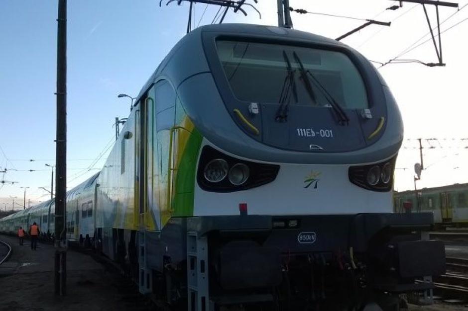 Koleje Mazowieckie: Nowe lokomotywy i wagony z Pesy odebrane