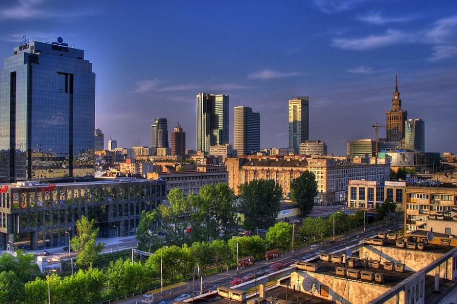 Warszawa inwestuje w transport i komunikację