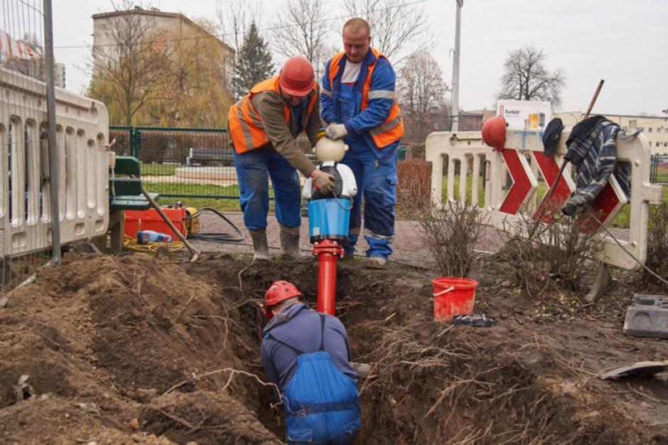 """Wodociągi: Hydranty """"Pawełki"""" stanęły w Katowicach"""
