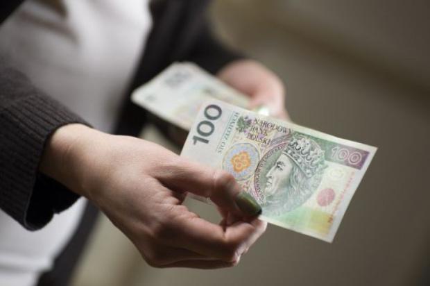 Wynagrodzenia w RIO: Podwyżki o 250 zł zatrzymają pracowników?