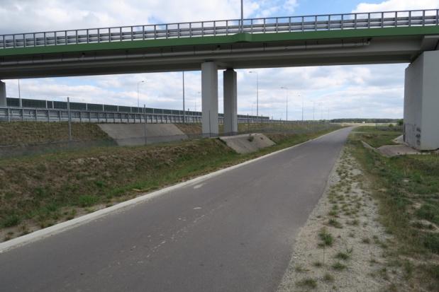 Burmistrz Rawicza proponuje rowerową trasę z Wrocławia do Poznania wzdłuż S5