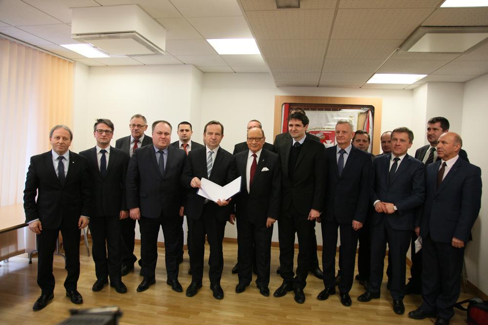 List intencyjny zawiera przede wszystkim zapewnienie o woli współpracy i chęci wspólnej realizacji projektu oraz wstępny podział kompetencji (fot.podkarpackie.pl)