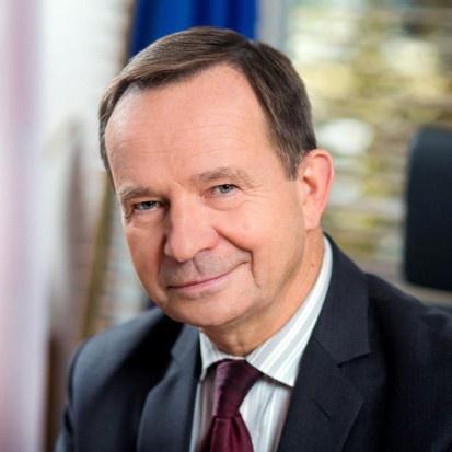 Marszałek Ortyl składa oświadczenie: nie przechodzę do żadnej instytucji rządowej