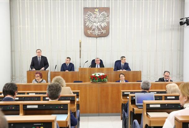 Nowi członkowie Rady Polityki Pieniężnej: Senat powołał Kropiwnickiego, Gatnara, Chrzanowskiego.