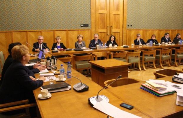 Zmiany w Karcie Nauczyciela: Minister Zalewska rozmawiała z samorządowcami
