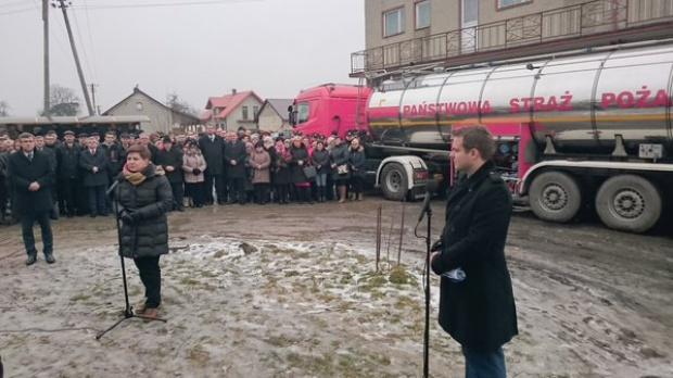 Premier Szydło: są pieniądze na wodociąg w Koniecpolu