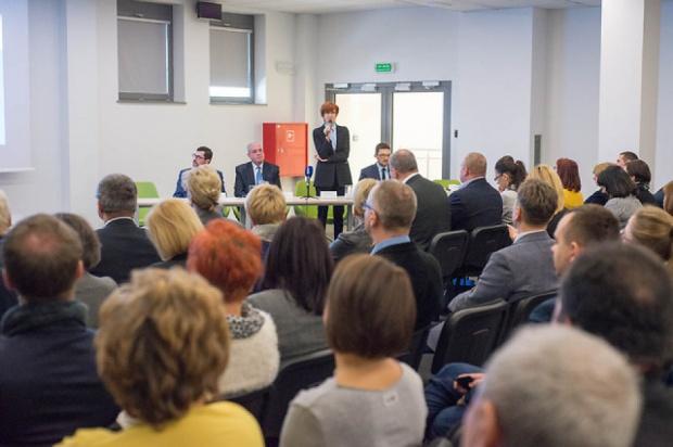 500 zł na dziecko: Projekt wprowadzający Program 500+ przyjęty, ustawa zacznie obowiązywać od 1 kwietnia