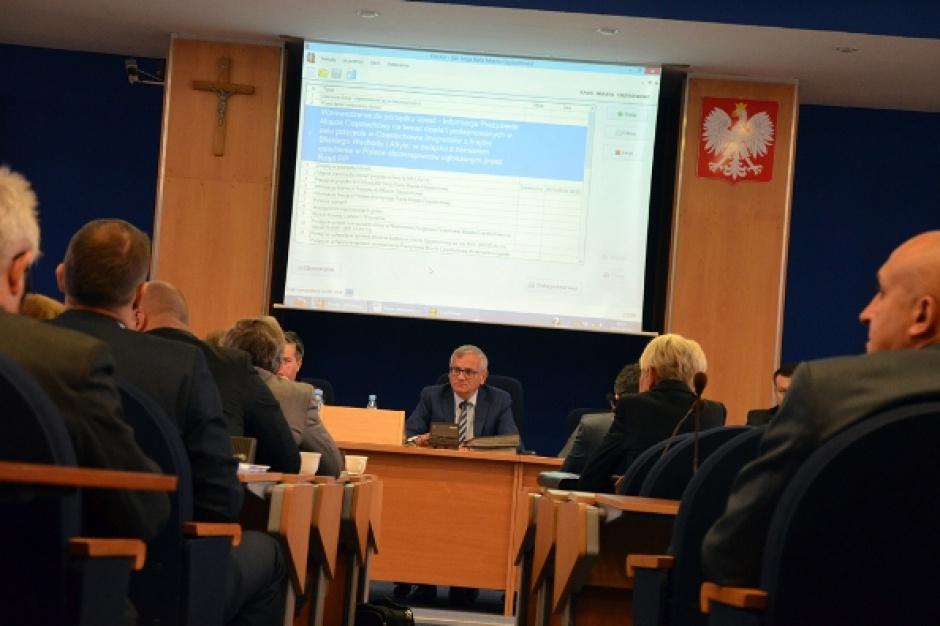 Kwota wolna od podatku, Częstochowa: Radni apelują o uzupełnienia ubytków w budżetach samorządów