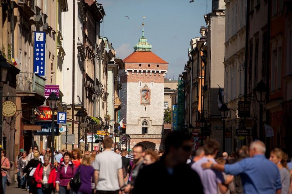 Kraków, Park Kulturowy Stare Miasto: Władze chcą zakazu roznoszenia ulotek i umieszczania reklam